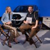 In diretta Facebook da un'auto elettrica: Margot Robbie online grazie alla batteria di una Nissan Leaf