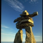 Inukshuk, l'omino segnavia degli Inuit, Courtesy of Tourisme Nunavut, Canada