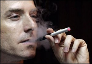 Una  sigaretta elettronica, Courtesy of Impresamia.com