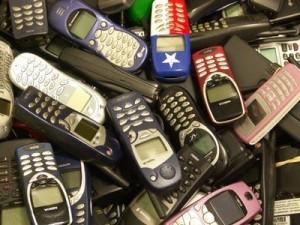 cellulari vecchi, Courtesy of listacivica-guastallaliberata.org