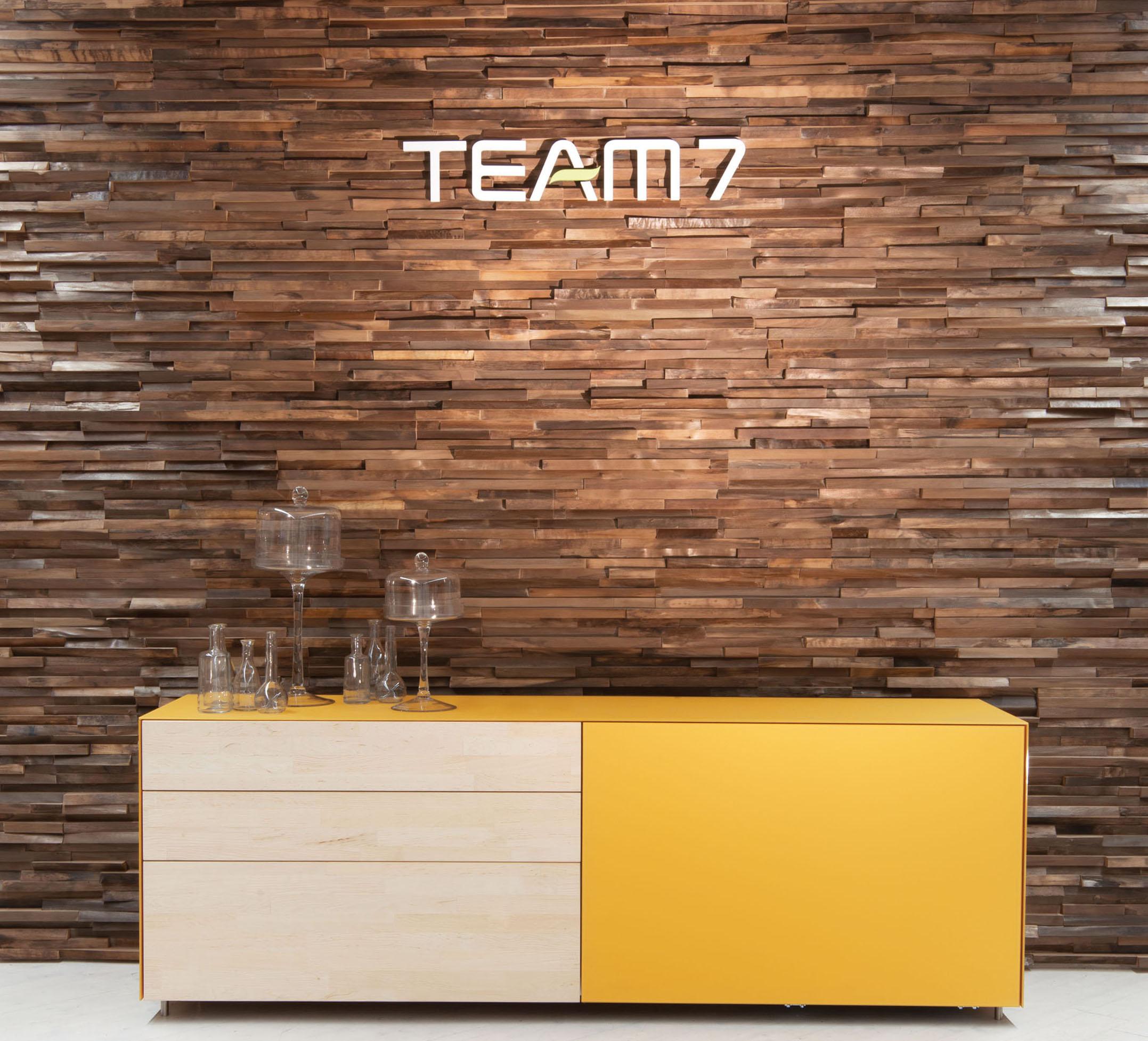 team7 inaugura a pinerolo il primo shop in shop del. Black Bedroom Furniture Sets. Home Design Ideas