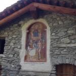 Affreschi medievali su una baita in ristrutturazione