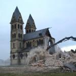La demolizione della Chiesa-di-San-Lamberto a Immerath