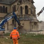 Una fase della demolizione della Chiesa di San Lamberto a Immerath