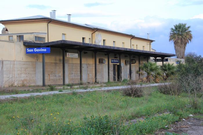 Banca Etica-Fs: accordo per il riuso delle stazioni