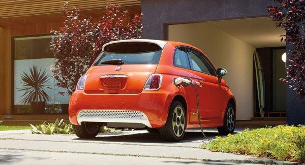 Auto elettriche, vendite raddoppiano nei primi 8 mesi
